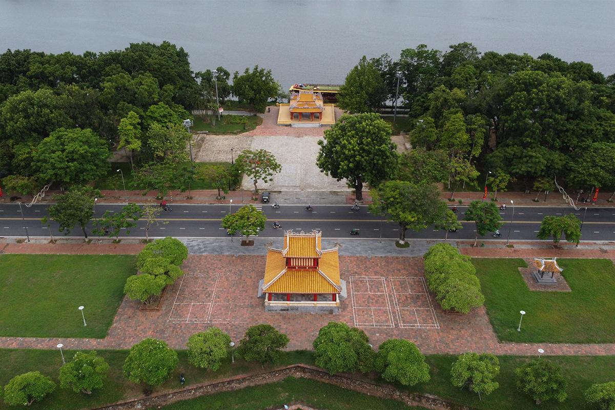 Khu vực Phu Văn Lâu, Nghênh Lương Đình, điểm xuất phát giải chạy VnExpress marathon Huế. Ảnh: Võ Thạnh