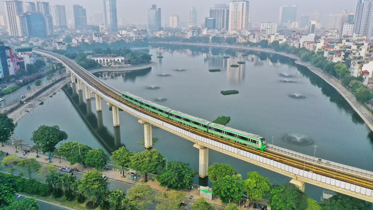 Thành phố phối hợp với các đơn vị liên quan sẵn sàng nhận bàn giao, vận hành thương mại tuyến đường sắt đô thị Cát Linh - Hà Đông. Ảnh: Giang Huy.