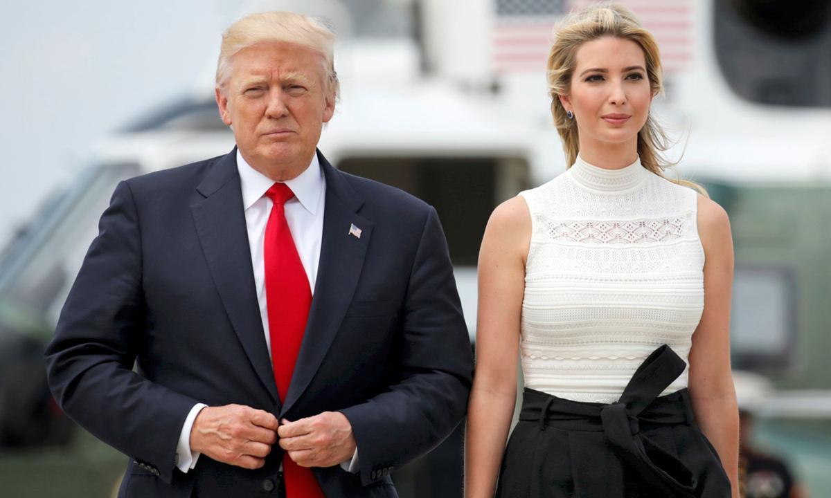 Ivanka cùng Tổng thống Donald Trump rời Căn cứ Andrews ở Maryland hồi năm 2017. Ảnh:Reuters.