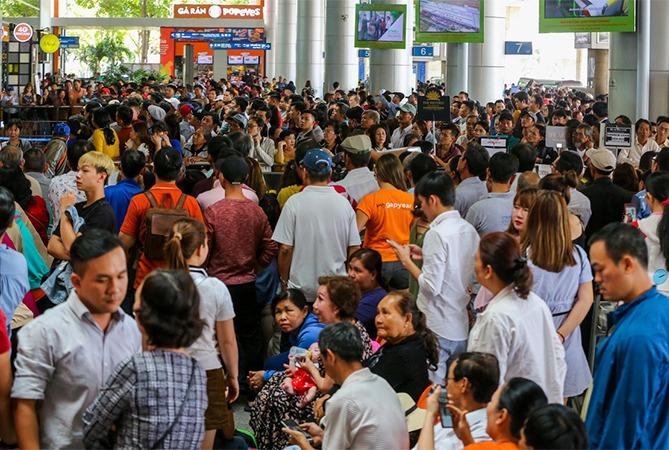 Sân bay Tân Sơn Nhất dự kiến đón 1000 chuyển bay ngày cao điểm Tết. Ảnh: Quỳnh Trần.