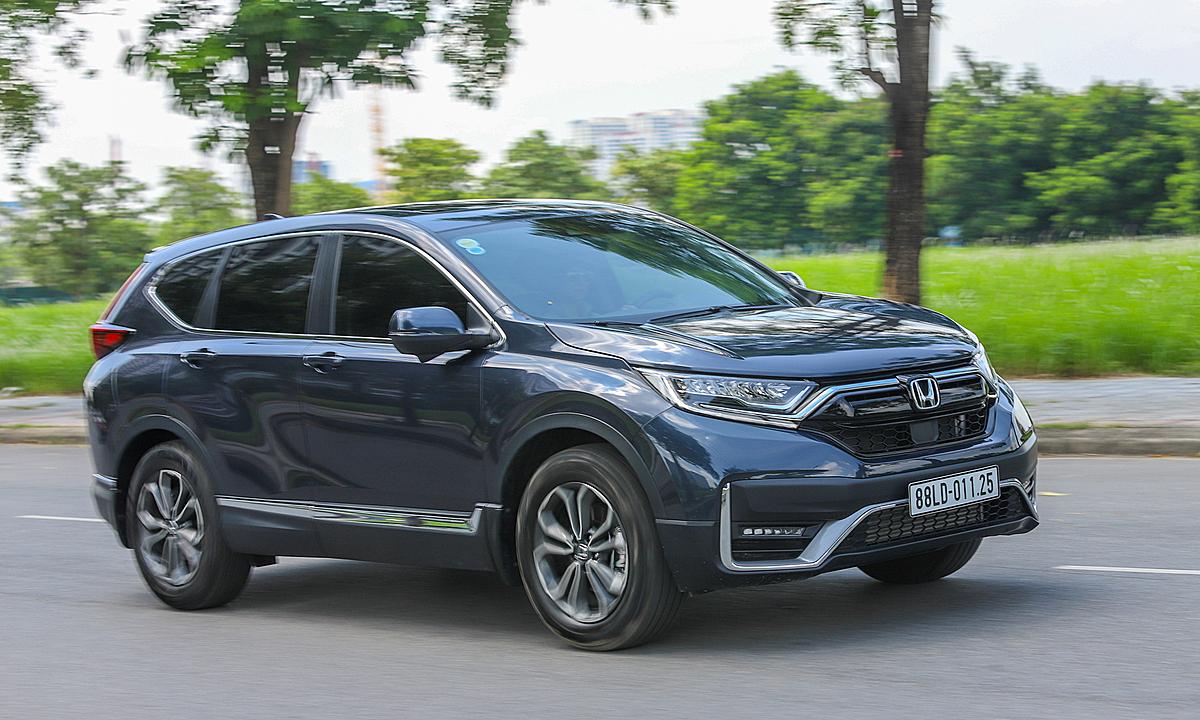 Honda CR-V trên đường thử tại Hà Nội. Ảnh: Lương Dũng