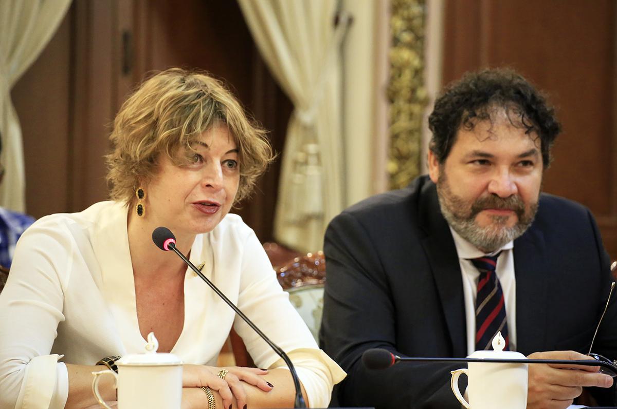 Bà Elsbeth Akkerman, Đại sứ Hà Lan tại Việt Nam và ông Carel Jacob Johan Richter, Tổng lãnh sự tại TP HCM.