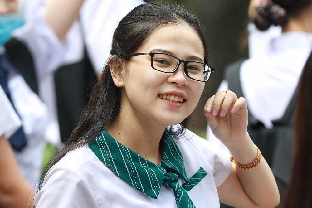 Thí sinh dự thi tốt nghiệp THPT năm 2020 tại TP HCM. Ảnh: Hữu Khoa.