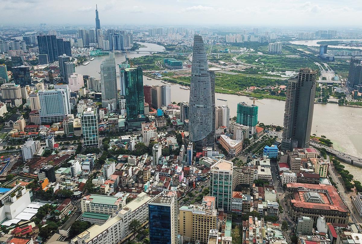 Khu trung tâm TP HCM ở quận 1 vào tháng 12/2020 lưới điện đã cơ bản hoàn tất ngầm hoá. Ảnh: Quỳnh Trần.
