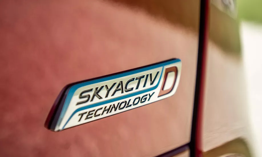 Động cơ dầu SkyActiv-D trên CX-5 tại Mỹ. Ảnh: CNET