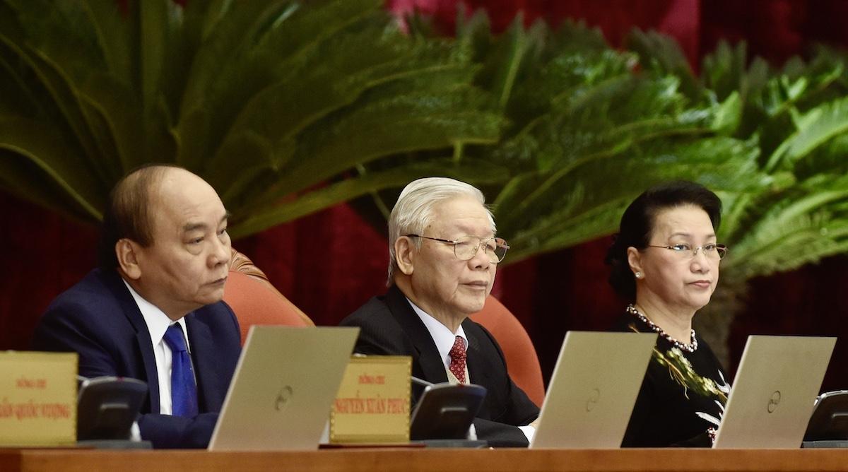 Từ trái qua: Thủ tướng Nguyễn Xuân Phúc, Tổng bí thư, Chủ tịch nước Nguyễn Phú Trọng, Chủ tịch Quốc hội Nguyễn Thị Kim Ngân tại Hội nghị Trung ương 15. Ảnh: VGP