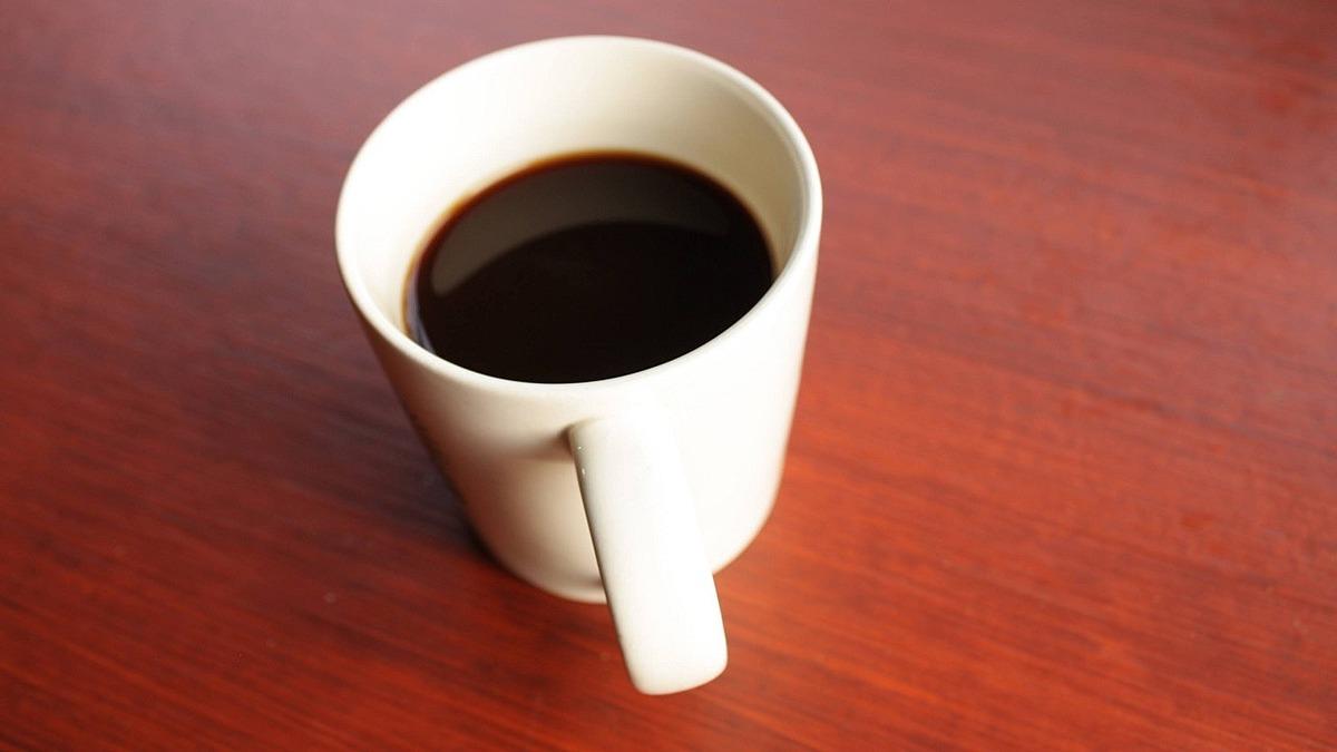 Chồng của Tinerva bị đầu độc nhiều lần bằng thuốc diệt gián trong cốc cà phê. Ảnh minh họa: Shutter Stock