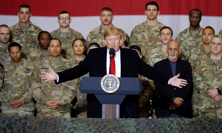 Tổng thống Trump phát biểu trước các binh sĩ tại căn cứ Bagram của Mỹ ở Afghanistan hồi tháng 11/2019. Ảnh: Reuters.