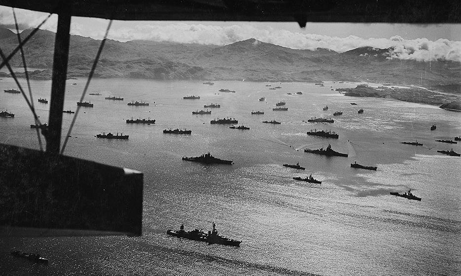 Lực lượng Mỹ tập kết trước cuộc tấn công giành lại đảo Kiska. Ảnh: US Navy.