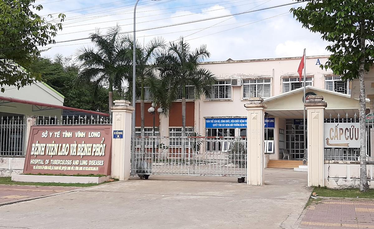 Bệnh nhân 1440 đang được cách ly điều trị tại Bệnh viện Lao và Bệnh phổi Vĩnh Long. Ảnh: Cửu Long