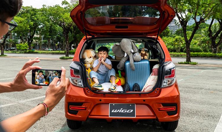 Khoang chứa đồ trên Toyota Wigo.