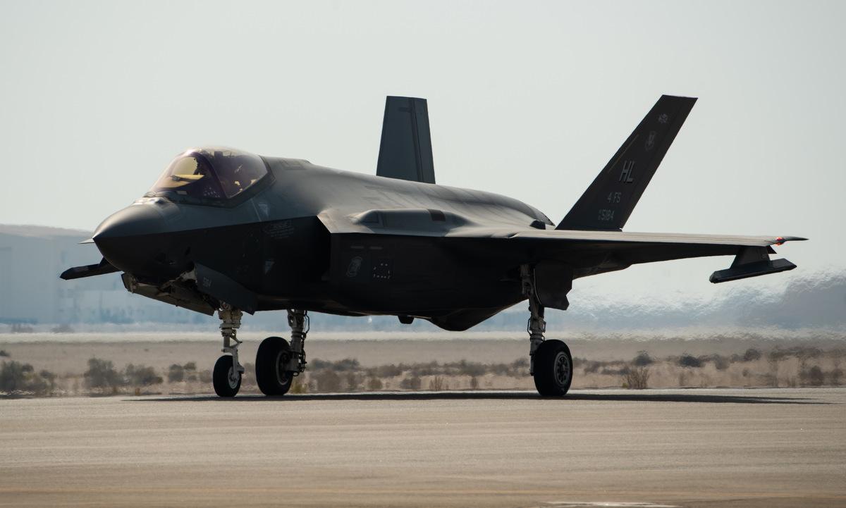 Tiêm kích F-35 Mỹ triển khai đến UAE năm 2019. Ảnh: USAF.