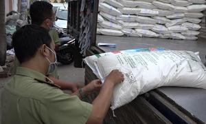 45 tấn bột ngọt không rõ nguồn gốc bị thu giữ