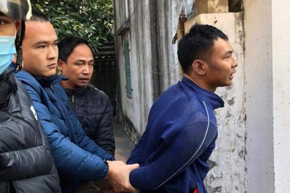 Nguyễn Mạnh Đức bị công an bắt sau khi cướp tiệm vàng Công Huệ không thành, bỏ chạy vào nhà ông Lê Văn Đúng, ở Khu 2, Thị trấn Tiên Lãng, huyện Tiên Lãng. Ảnh: CTV