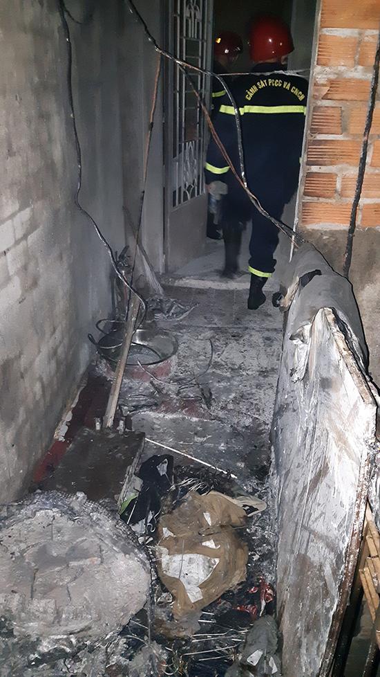 Nhiều tài sản trong tiệm bạc bị thiêu rụi sau vụ cháy. Ảnh:PC07 cung cấp.