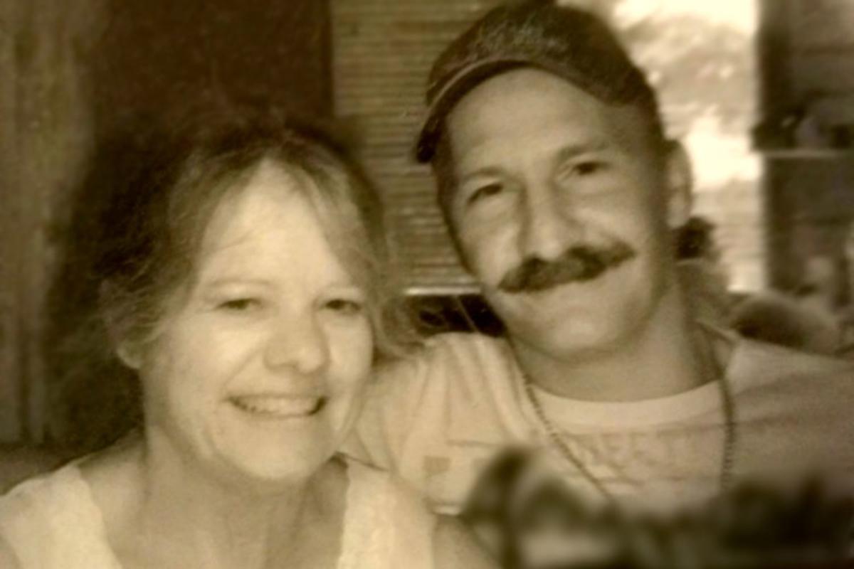 Linda McAllister cùng chồng William Clemons.