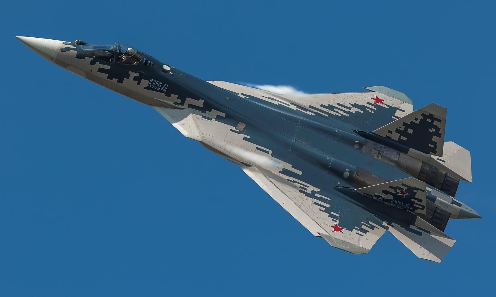 Tướng phi công Nga nói Su-57 dễ dàng hủy diệt F-35