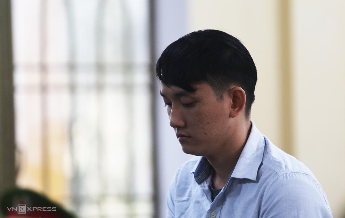 Nguyễn Đức Tuấn tại phiên sơ thẩm chiều 22/1. Ảnh: Sơn Thủy.