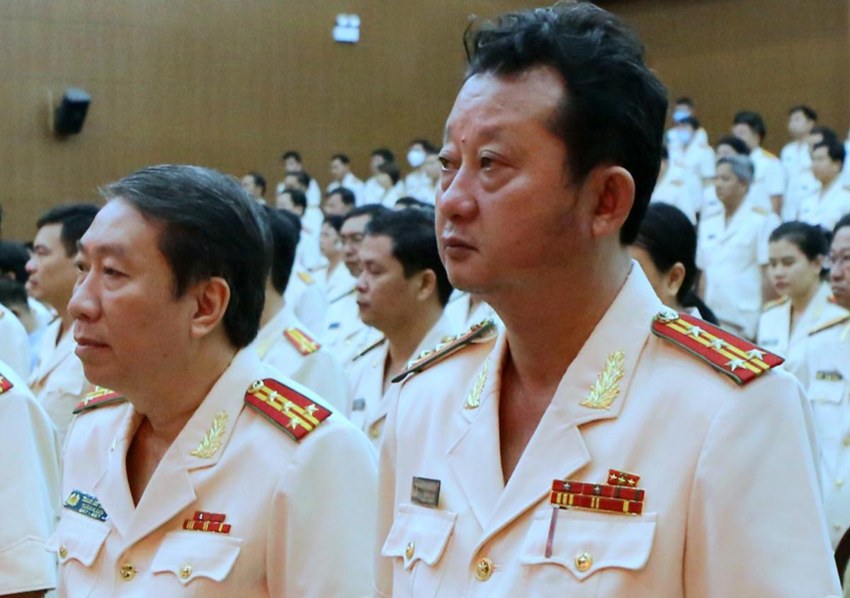 Trưởng Công an TP Thủ Đức Nguyễn Hoàng Thắng (phải) và đại tá Trang Viết Thanh. Ảnh: Quốc Thắng.