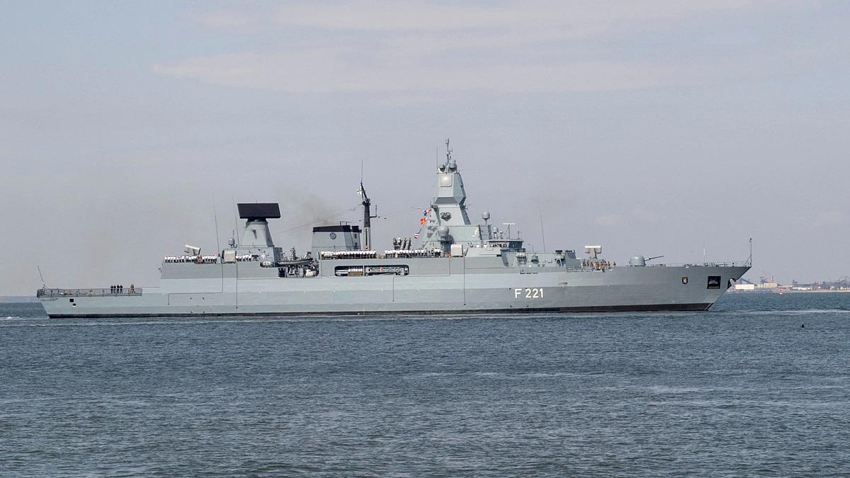 Tàu hải quân Đức khởi hành từ Norfolk, bang Virginia, Mỹ, tới Trung Đông năm 2018. Ảnh: Reuters