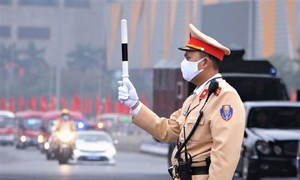 Hàng nghìn cảnh sát đảm bảo an ninh Đại hội XIII