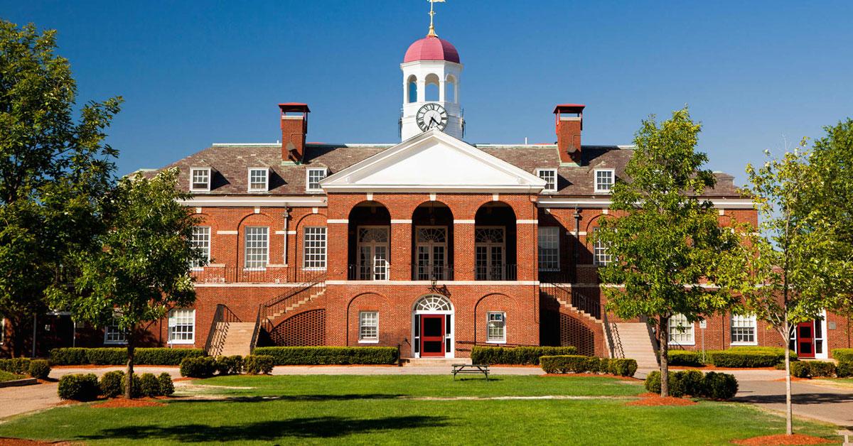Đại học Harvard là ngôi trường danh tiếng bậc nhất thế giới. Ảnh: CNBC.