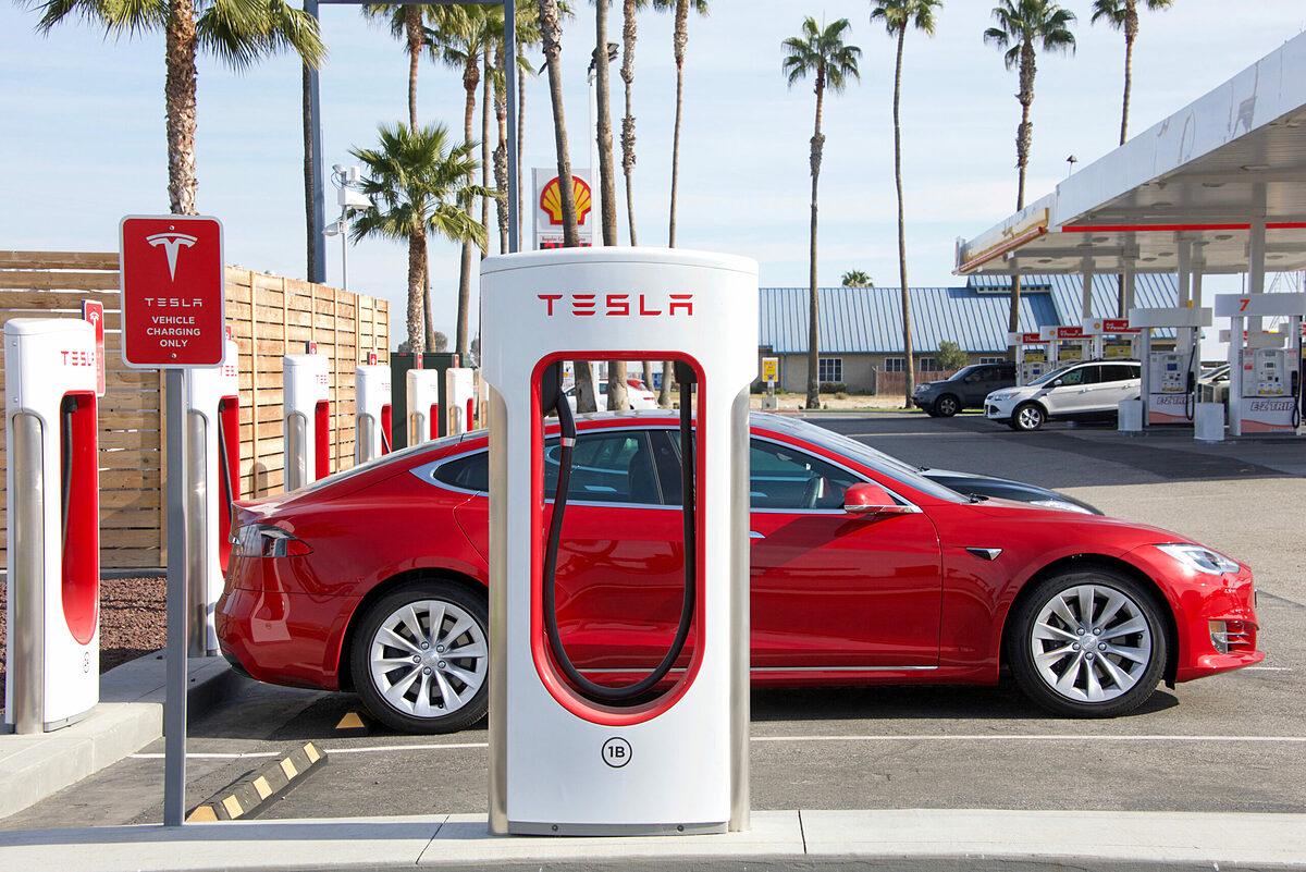 Trạm sạc của Tesla tại Mỹ. Ảnh: Sheila Fitzgerald