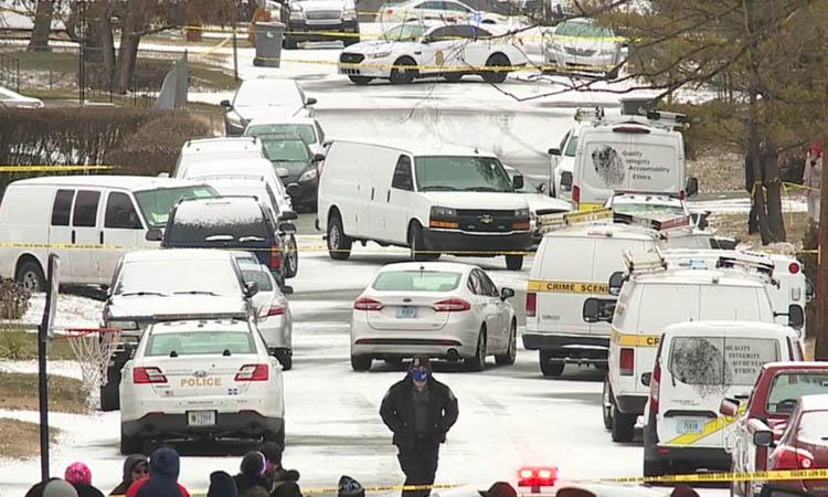 Xe cảnh sát tại hiện trường vụ thảm sát ở thành phố Indianapolis, bang Indiana hôm 24/1. Ảnh: WXIN.
