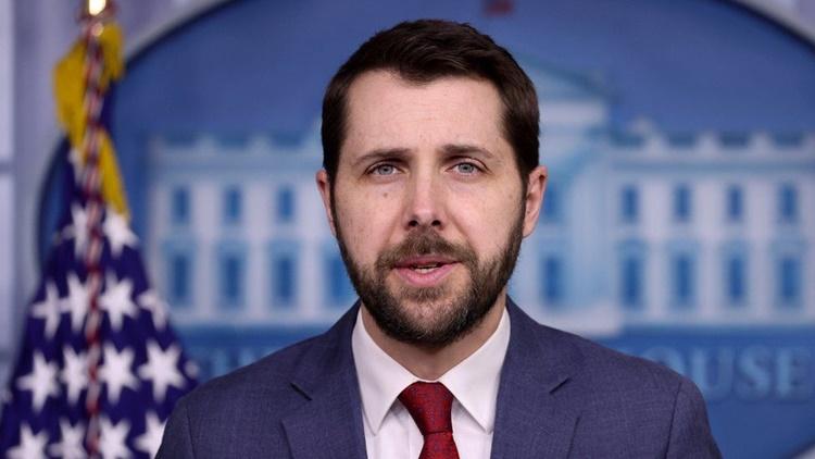 Lãnh đạo Hội đồng Kinh tế Quốc gia Mỹ Brian Deese. Ảnh: Reuters.