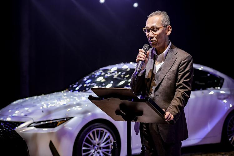 Lexus IS 2021 phiên bản mới là mẫu xe tiên phong mang Dấu ấn Trải nghiệm lái Lexus, thể hiện được những nỗ lực của hãng trong việc hoàn thiện dải sản phẩm sedan tại việt Nam, ông Hiroyuki Ueda, đại diện Lexus Việt Nam nói tại sự kiện.