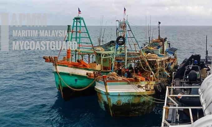Hai tàu cá Việt Nam bị Malaysia bắt hôm 23/1. Ảnh: MMEA.