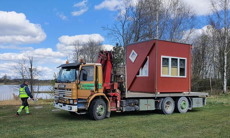 Với thiết kế đặc biệt, nội thất tích hợp trong nhà sẽ không bị rơi khi vận chuyển. Ảnh: Brette Haus.