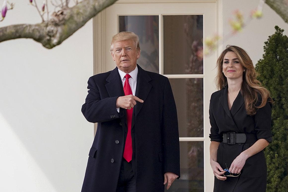Trump (trái) và Hope Hicks tại Nhà Trắng tháng 3/2019. Ảnh: AP.