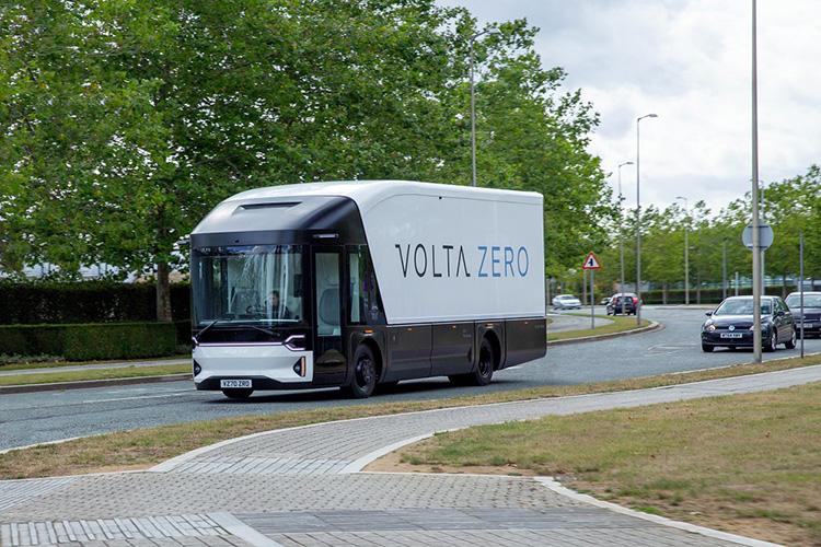 Nguyên mẫu Volta Zero chạy thử nghiệm tại Anh. Ảnh: Volta Trucks.