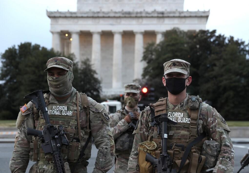 Vệ binh Quốc gia Florida được điều đến thủ đô Washington ngày 16/1. Ảnh: AFP.