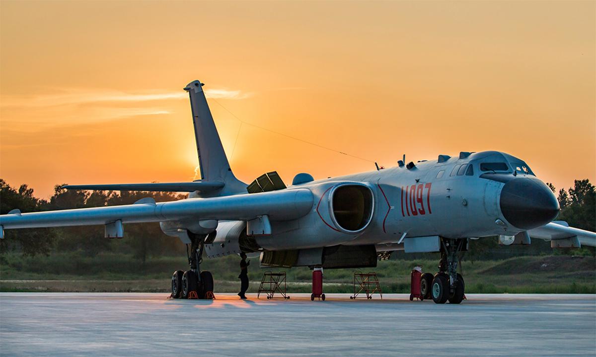 Oanh tạc cơ H-6K tại một căn cứ của Trung Quốc, tháng 8/2017. Ảnh: PLA.