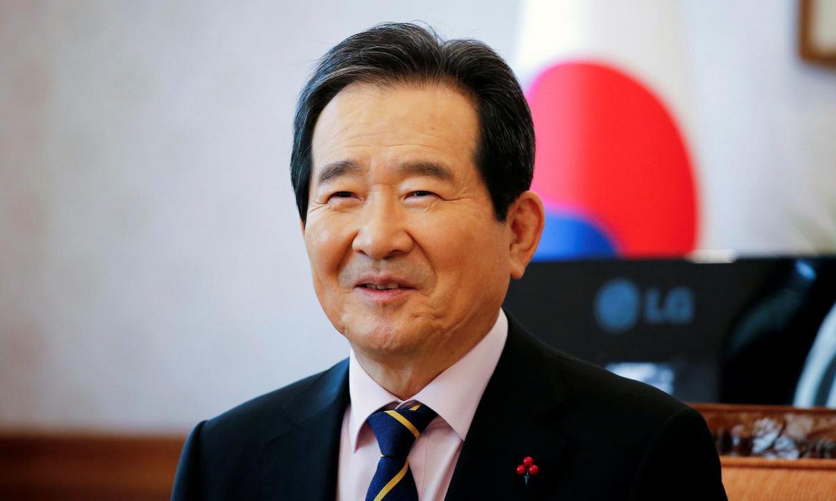 Thủ tướng Chung trả lời phỏng vấn hôm 28/1. Ảnh: Reuters.