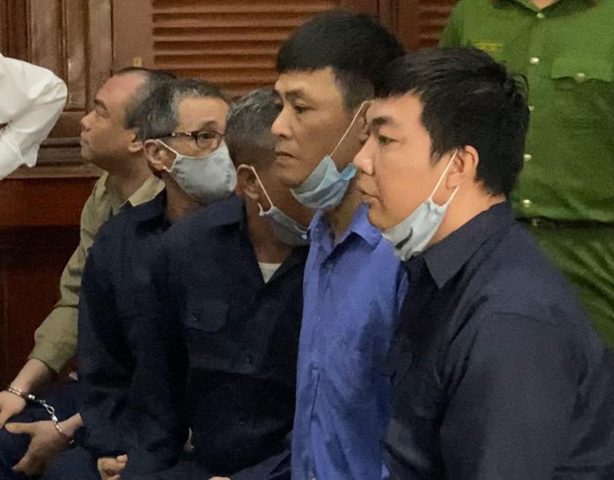 Các bị cáo trong đường dây buôn bán ma tuý của Oanh Hà. Ảnh: Dương Trang.