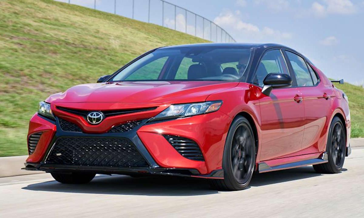 Camry - một trong những sản phẩm bán chạy nhất của Toyota.