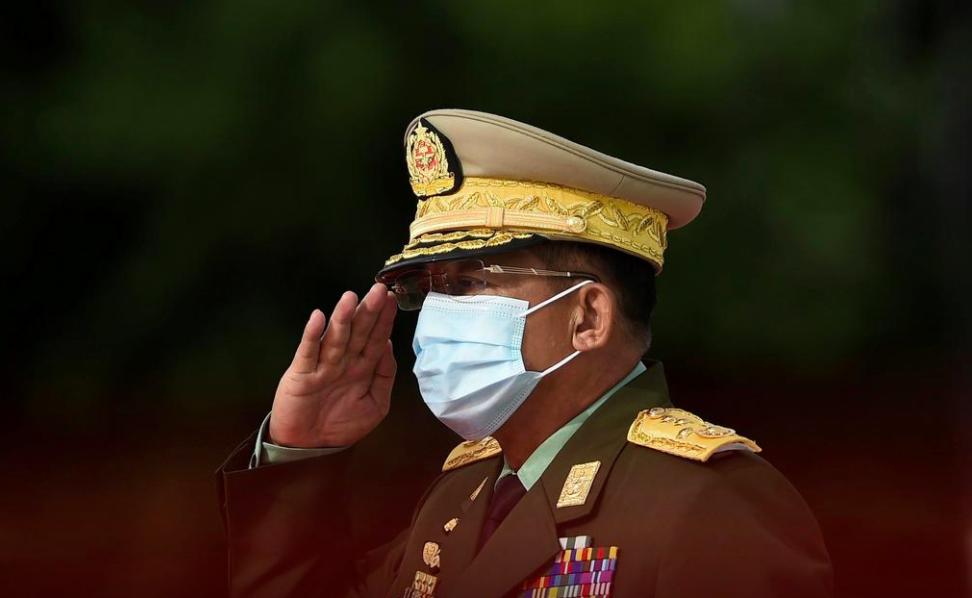 Tổng Tư lệnh quân đội Myanmar Min Aung Hlaing tại lễ kỷ niệm Ngày Liệt sĩ ở Yangon tháng 7/2020. Ảnh: Reuters.