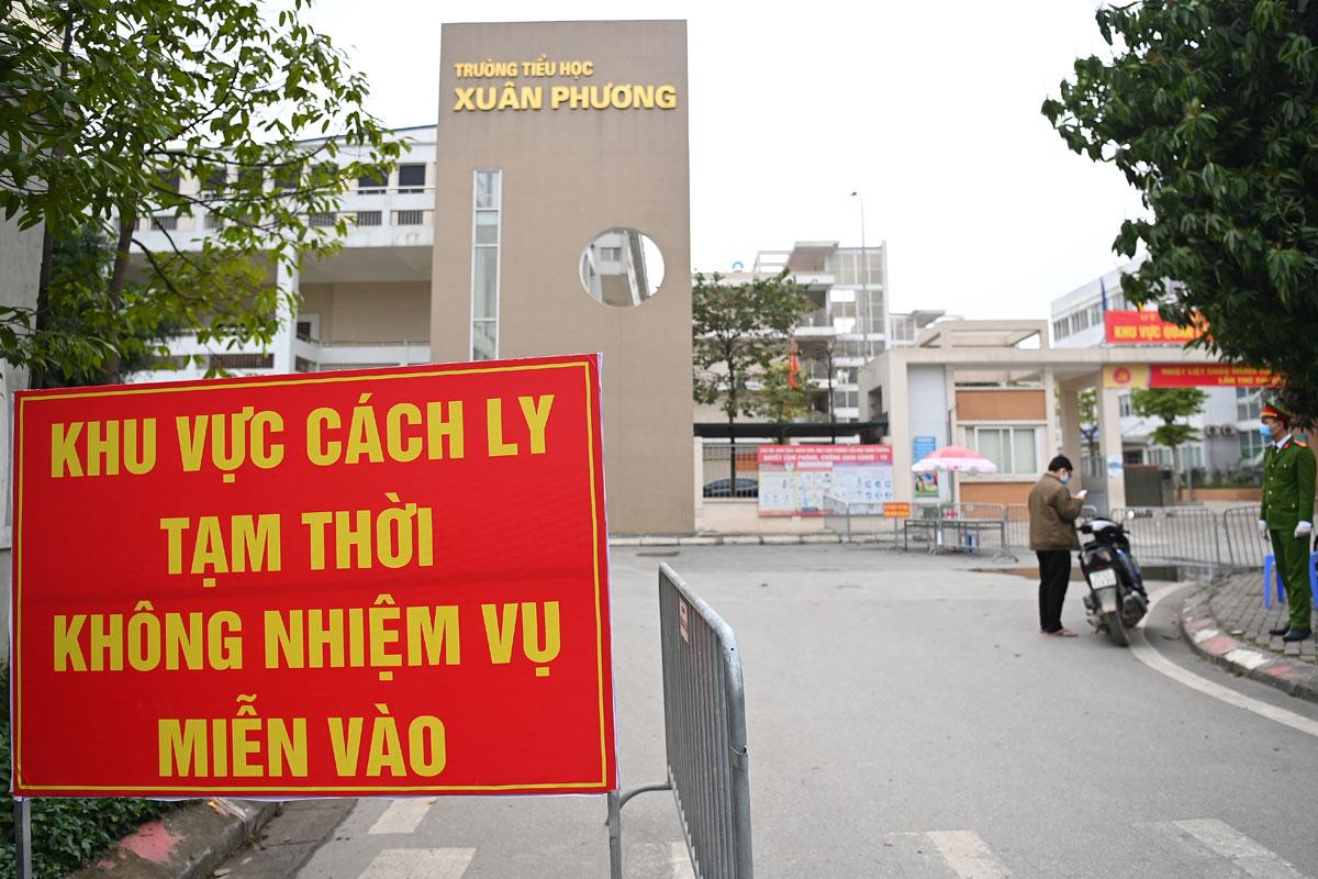 Trường Tiểu học Xuân Phương trở thành khu cách ly tập trung từ ngày 31/1. Ảnh:Giang Huy.