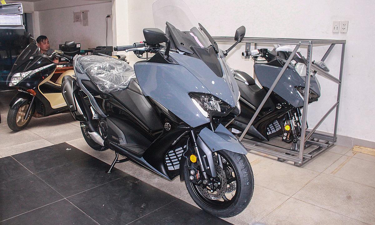 Yamaha TMax tại một đại lý xe nhập tư nhân ở quận Bình Thạnh.