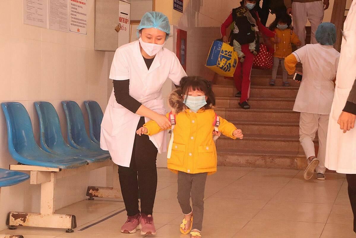 Trung tâm Y tế Chí Linh di chuyển để biến cơ sở này thành bệnh viện dã chiến điều trị Covid-19. Ảnh: Huy Hoàng.