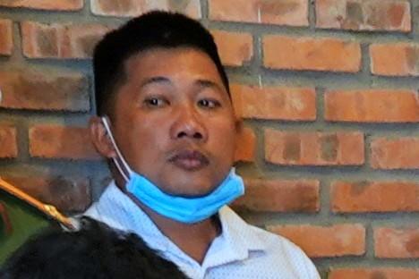 Bị can Nguyễn Quang Bình bị bắt trưa nay. Ảnh: Đức Huynh.