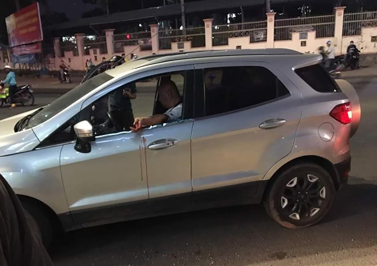 Ching tự sát bất thành trong xe khi bị cảnh sát chặn lại. Ảnh: Yên Khánh
