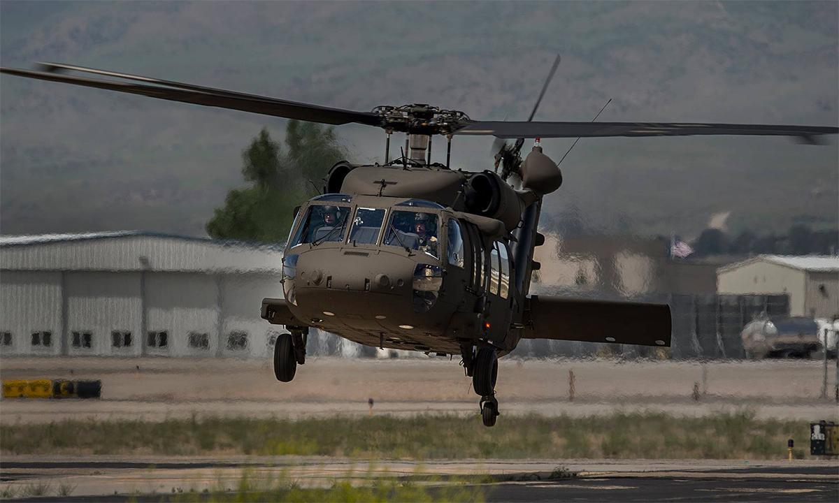 Một trực thăng UH-60 của Vệ binh Quốc gia bang Idaho cất cánh. Ảnh: Facebook/idahonationalguard.