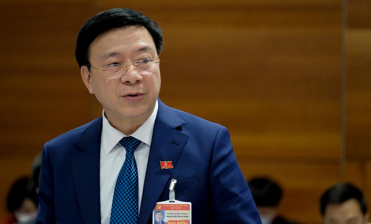 Ông Phạm Xuân Thăng, Bí thư Tỉnh ủy Hải Dương ngày 29/1, tại cuộc họp với Thủ tướng tại Trung tâm Hội nghị Quốc gia, sau phiên làm việc của Đại hội Đảng XIII. Ảnh: Hoàng Thùy