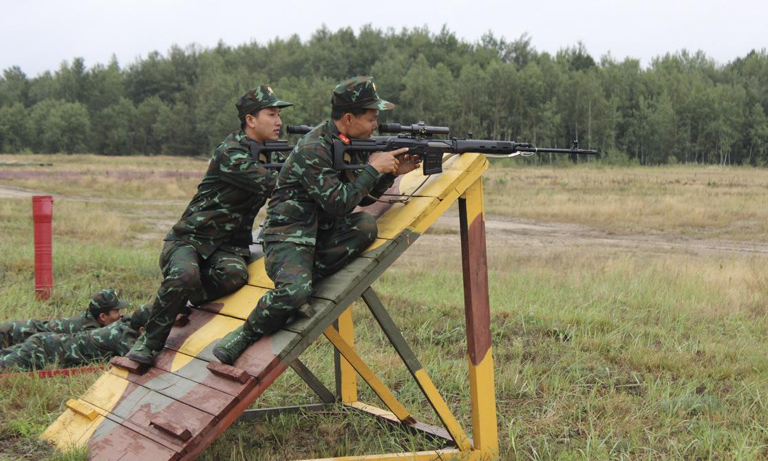 Xạ thủ Việt Nam thi đấu tại Army Games 2020. Ảnh: Bộ Quốc phòng Nga.