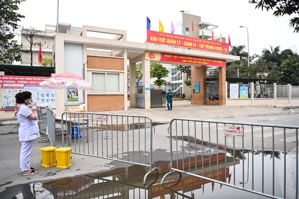 Khu cách ly tập trung tại trường Tiểu học Xuân Phương, quận Nam Từ Liêm. Ảnh: Giang Huy