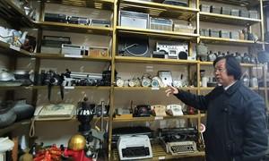 Tiến sĩ về hưu làm bảo tàng hàng nghìn hiện vật